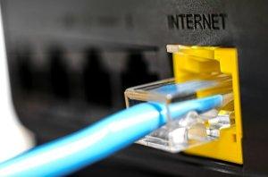 Internetverbindung durch ein angeschlossenes Netzwerkkabel